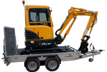 Selwood Offers Combined Excavator and Trailer