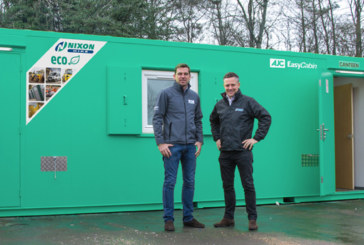 EasyCabin Head North for Nixon Hire