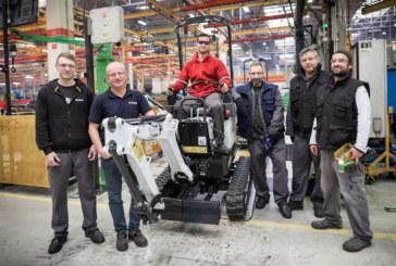 Bobcat E10 Mini‑Excavator Passes 10,000 in 10 Years