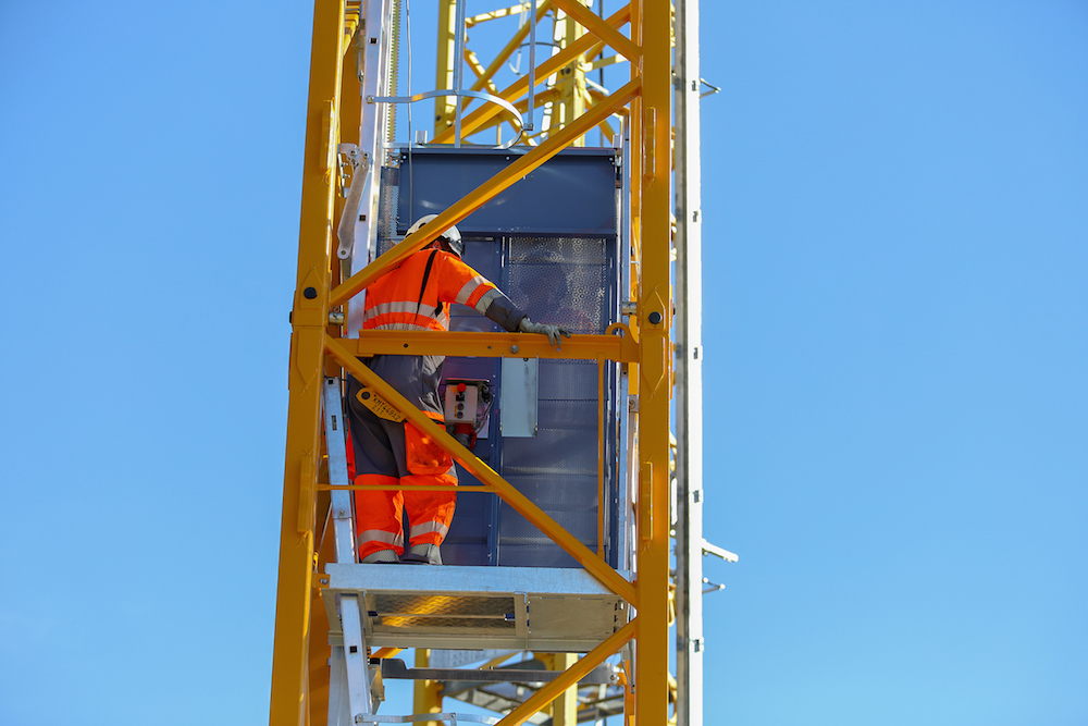 Manitowoc launches internal mast operator lift for Potain