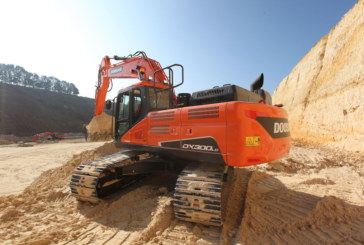 Doosan DX300LC-5 wins LCO award for 2nd year running