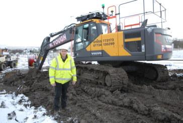 R Tough Plant Hire takes delivery of Volvo EC220E