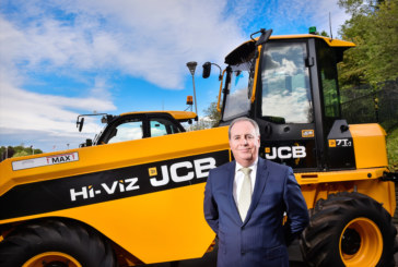 JCB Finance celebrate industry award for exceptional service