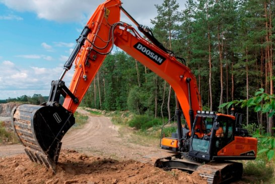 New DX300LC-7 30 t Stage V Excavator from Doosan