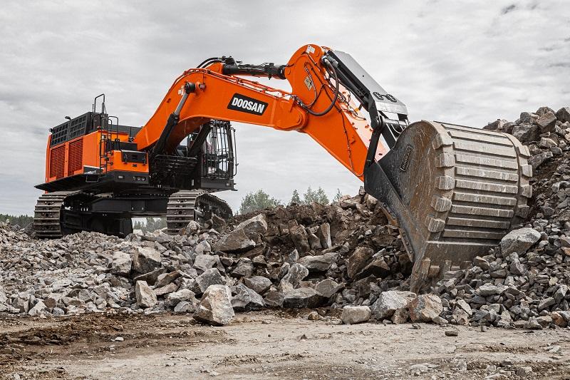 Doosan wins orders for large excavators