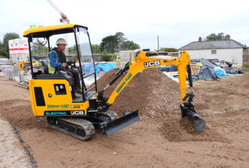 JCB electric mini helps customer win new contracts