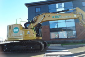 B&T Plant Hire takes delivery of UK's first Cat 325 2D excavators