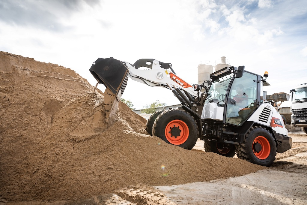 First Bobcat compact wheel loader leaves production line