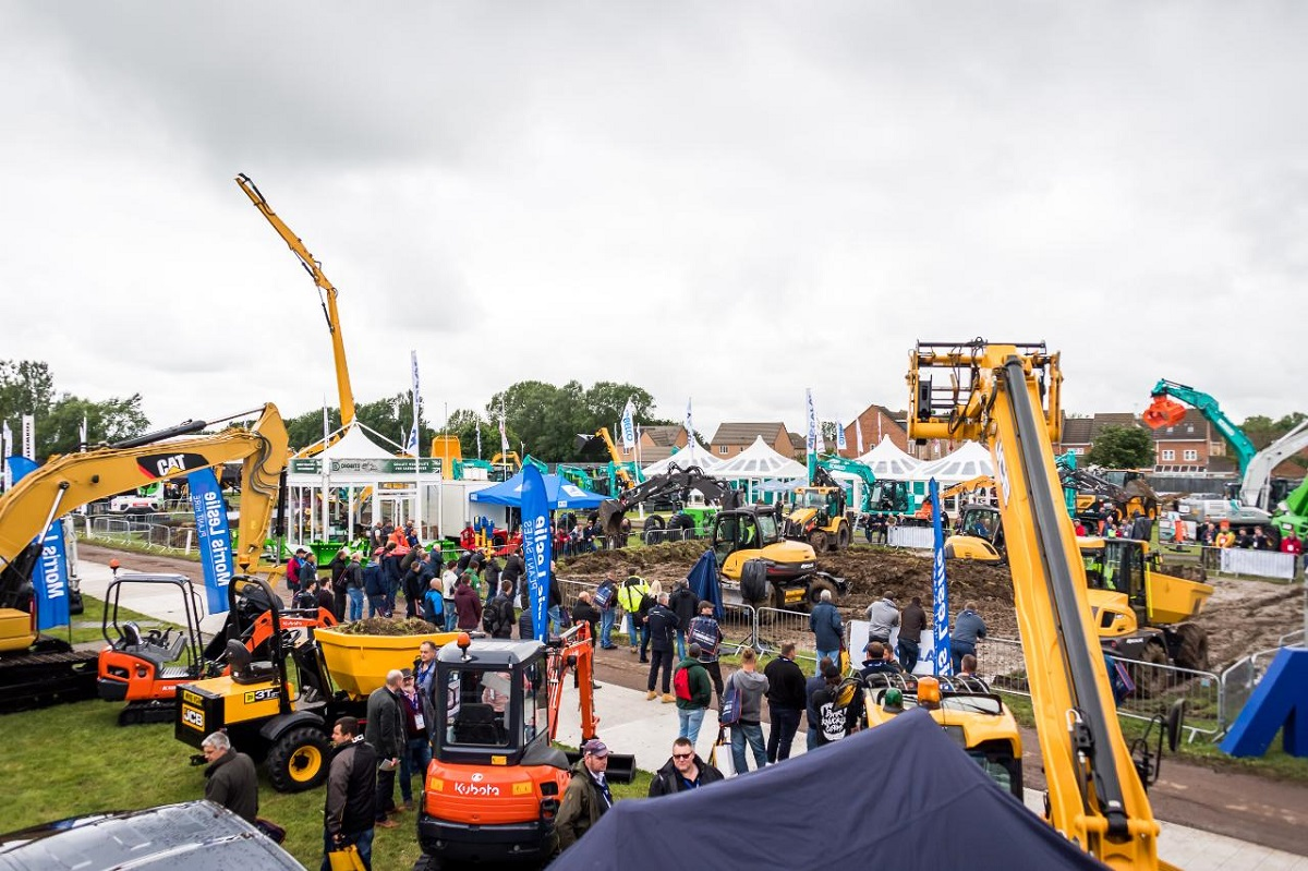 UK construction equipment sales continue strong recovery